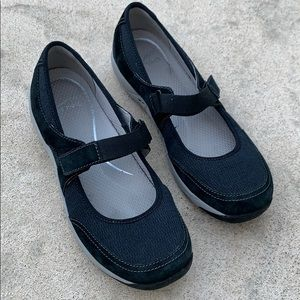 Dansko Hennie Black Mary Jane Size 39/ 8.5 - 9
